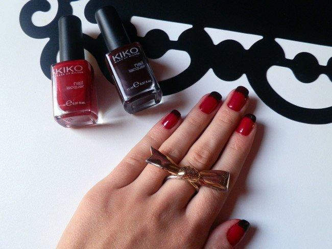 halloween-vampire-nail-designs