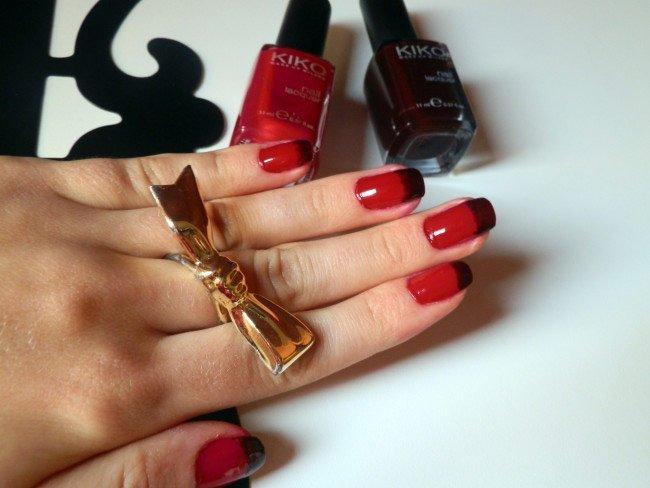 halloween-vampire-nails