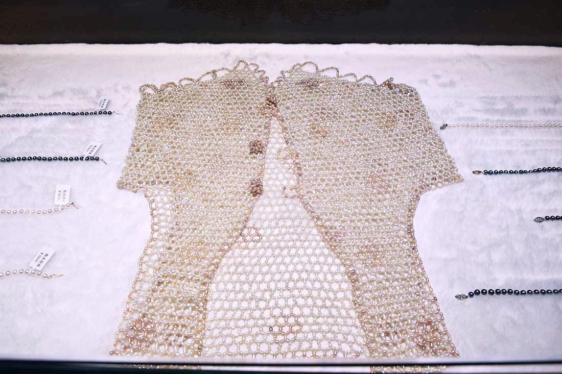 vestito di perle