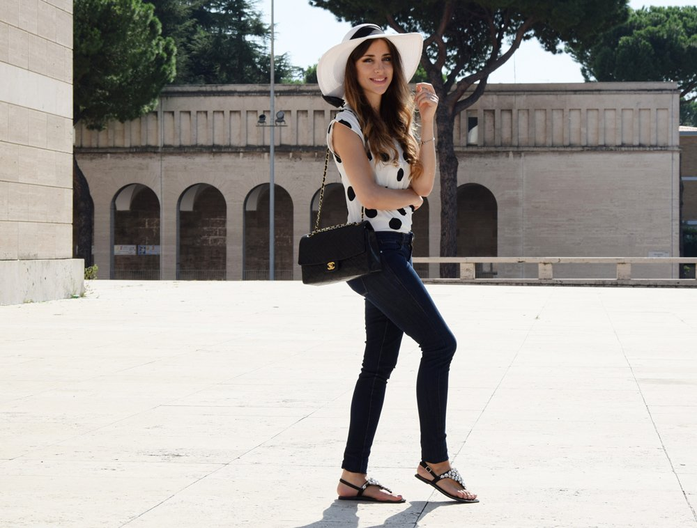 how to dress chic casual